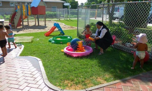 french-preschool-ottawa-outside